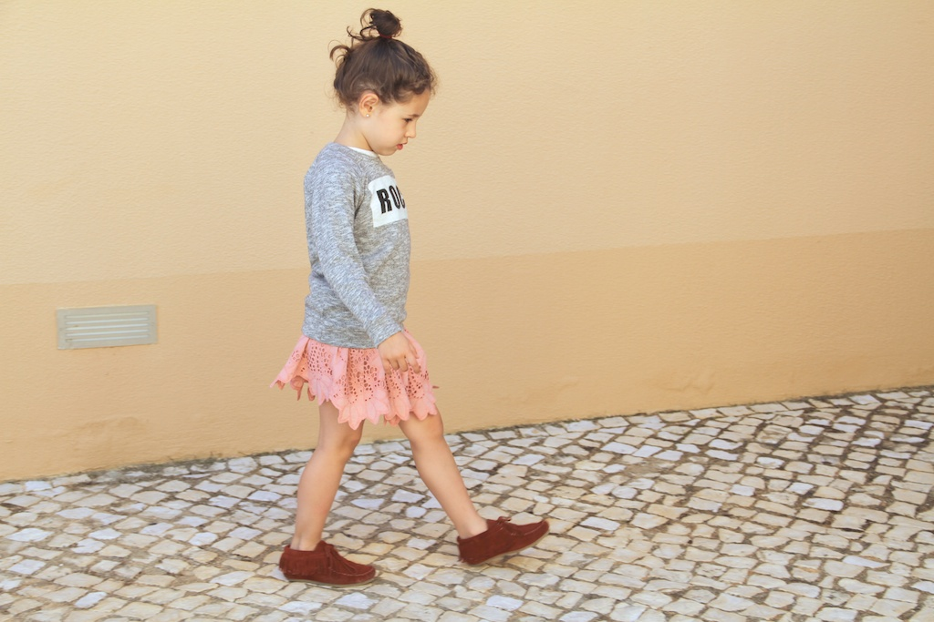 fashion kids.ZARA KIDS .descalzaporelparque