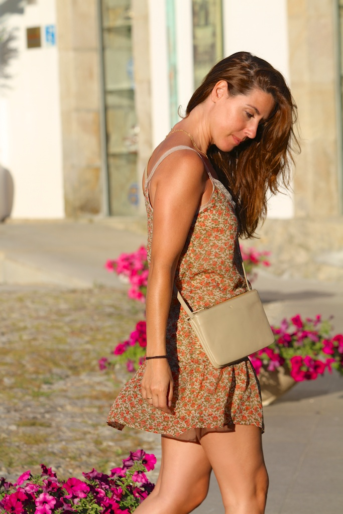 floral dress+cèline trio bag.descalzaporelparque