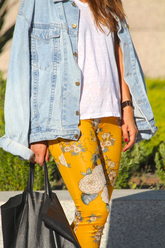 flowered pants.ZARA.descalzaporelparque