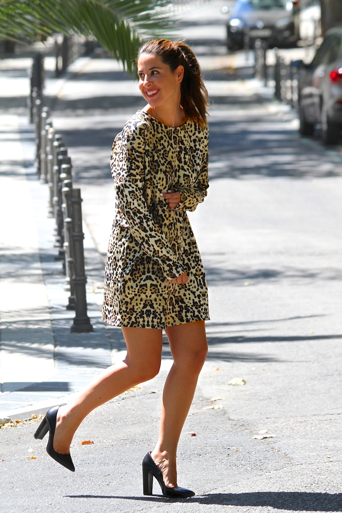 leopard dress.ZARA .descalzaporelparque