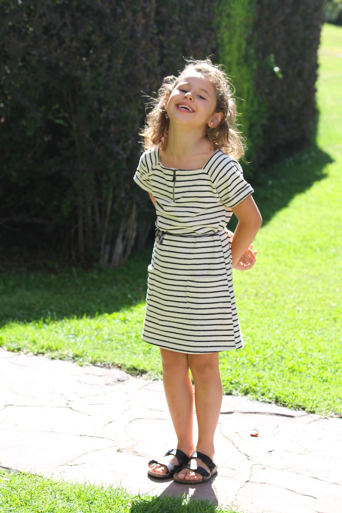 striped dress.kids.descalzaporelparque-