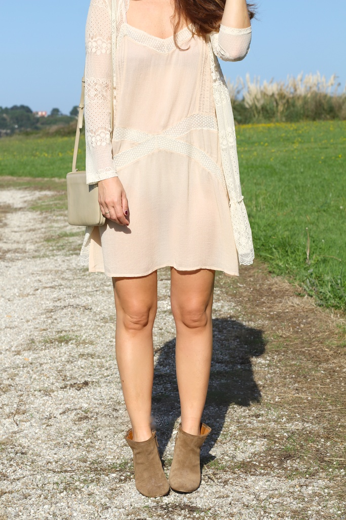 fashion,stylelovely, lace, dress, chicwish, boots, zara,zarapictures, descalzaporelparque