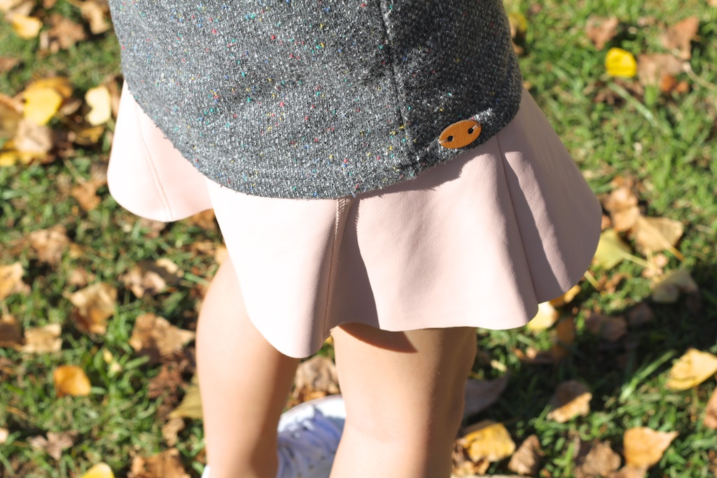 zarakids-grey-sweater-leather-pink-skirt-converse-descalzaporelparque