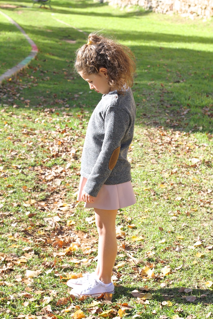 zarakids-grey-sweater-leather-pink-skirt-converse