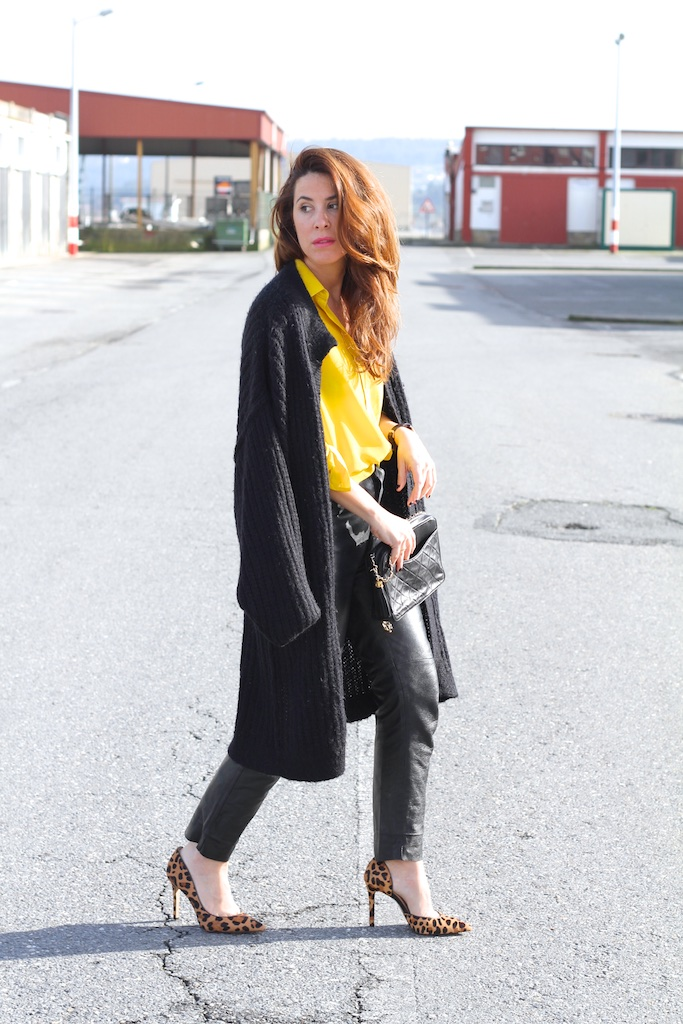 heels-leopard-fashion-leather-vintage-yellow-zara-chanel-bag-descalzaporelparque