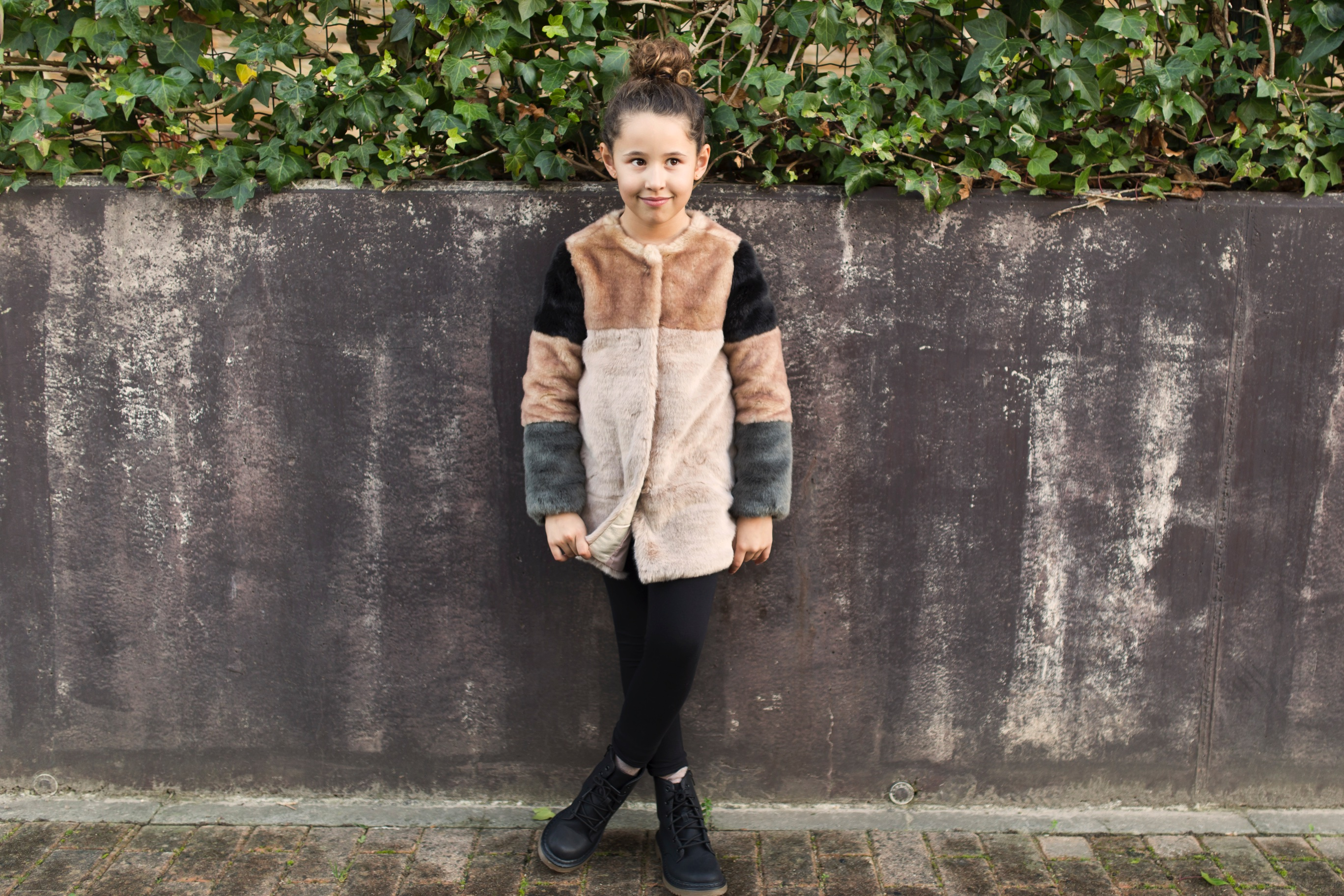 Jimena look-fashion girl-zara kids-style-zara coat-niños-moda-descalzaporelparque